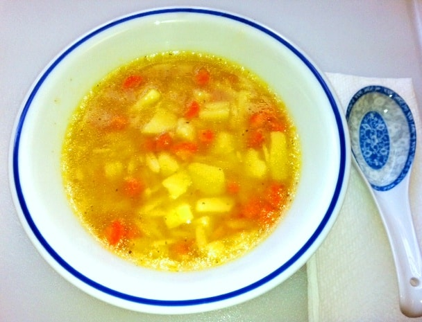 Chicken_soup_in_a_bowl