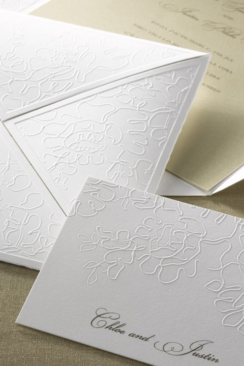 Monique_Lhuillier_envelofold_embossed_wedding_invitations_hyegraph