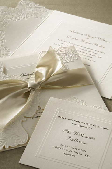 Monique_Lhuillier_wedding_invitation_pockets_hyegraph_invitations
