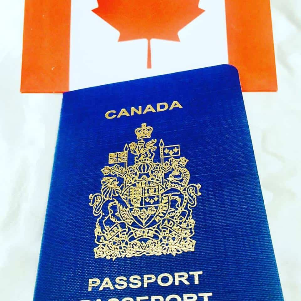 Canadian Passport Passeport Invitation with matching envelope